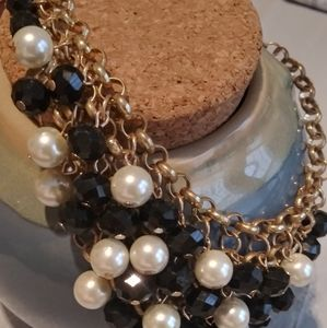 """18"""" Black and Faux Pearl Necklace"""